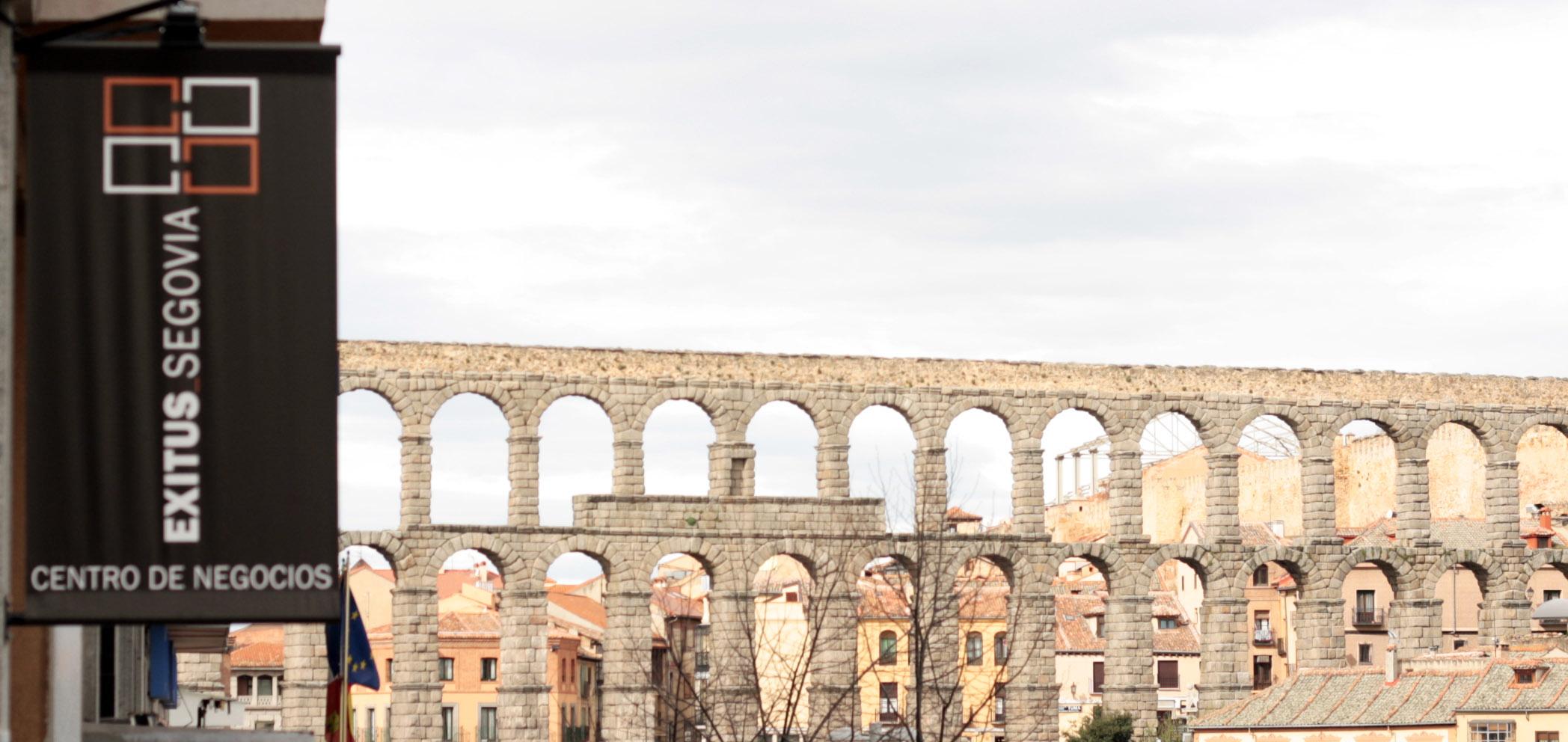 Acueducto desde centro de negocios Exitus Segovia, localización de escuela habla. http://exitussegovia.com/