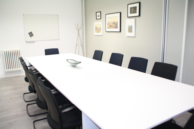 Sala de reuniones del centro de negocios Exitus Segovia, localización de escuela habla. http://exitussegovia.com/