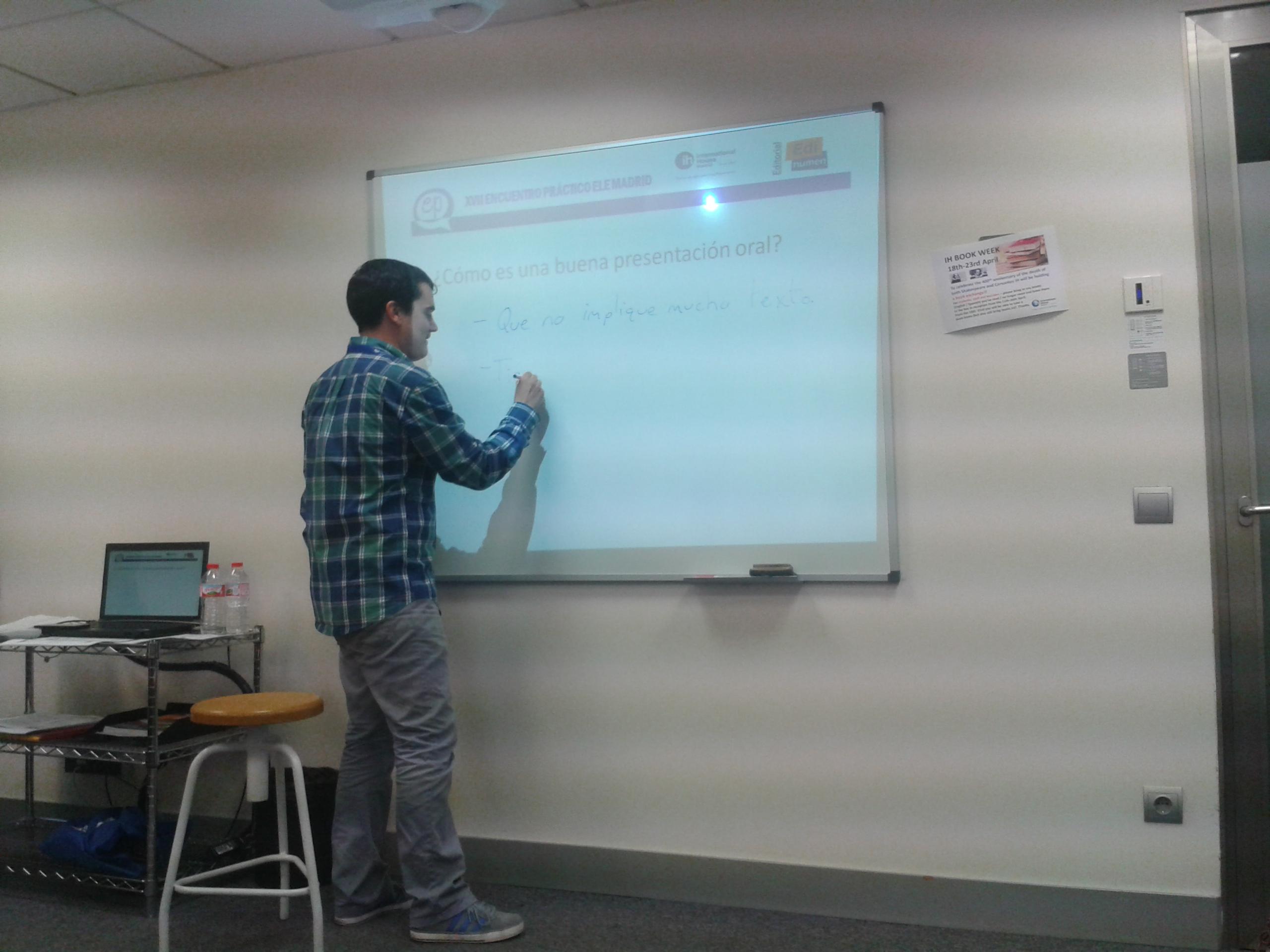 """David Heredero Zorzo en su taller """"Las presentaciones orales en el aula de ELE. Una propuesta didáctica"""""""